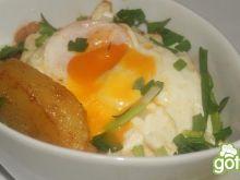 Jajka ziemniakach i fasolce