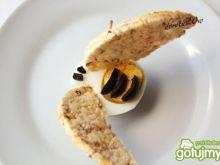 Jajko – pszczoła
