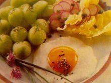 Jajko sadzone z ogórkami