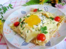 Jajko w naleśniku