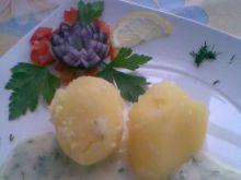 Jajko w sosie koperkowym.