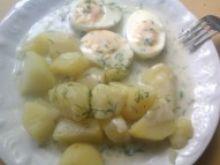 Jajko w sosie śmietanowo-koperkowym