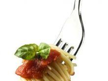 Jak dobrać niektóre zioła do potraw?