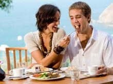 Jak grzecznie odmówić jedzenia?
