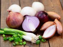 Jak perfekcyjnie smażyć i karmelizować cebulę?