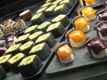 Jak powstaje lodowe sushi z kawiorem z pomarańczy?