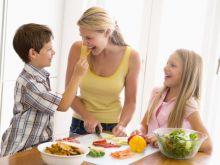 Jak ułożyć sztućce na obiad z przystawką?