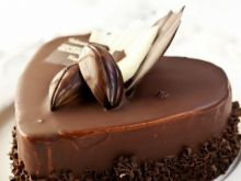Jak uratować lekko przypalone ciasto