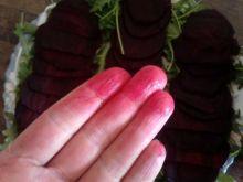 Jak usunąć sok z buraka z dłoni