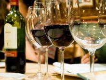 Jak zamówić wino w restauracji?