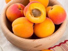 Jak zwalczać muszki owocówki?