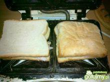Jarskie tosty z sałatą lodową