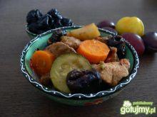 Jednogarnkowe mięsiwa z warzywami i śliw