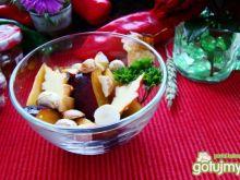 Jesienna sałatka z śliwek