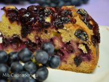 Jesienne ciasto z winogronami poziomkowymi