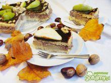 Jesienny tort czekoladowy z gruszkami
