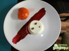 Jogurt Cotta z brzoskwinią w winie