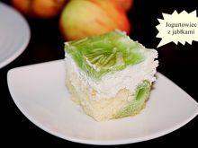 Jogurt-owiec z jabłkami