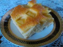 Jogurtowe ciasto z nektarynką