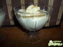Jogurtowe lody z białą czekoladą
