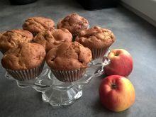 Jogurtowe muffinki z jabłkiem,cynamonem i migdałem