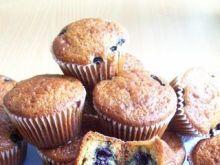 Jogurtowe muffinki z jagodami.