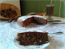 Jogurtowo-cynamonowe ciasto z orzechami