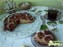 Jogurtowo cynamonowe ciasto ze śliwkami