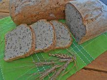 Jogurtowy chleb z kalarepką i siemieniem lnianym