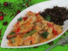 Kaczka z warzywami po azjatycku