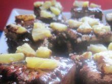 Kakaowe ciasto ananasowe