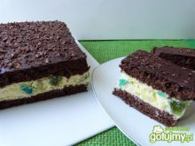 Kakaowe ciasto z kremem i galaretkami