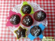 Kakaowe muffinki z brzoskwiniami
