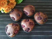 Kakaowe muffinki z jeżynami