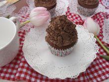 Kakaowe muffinki z mlekiem w proszku i wafelkiem