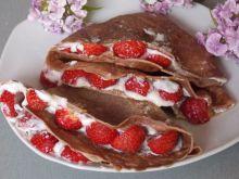 Kakaowe naleśniki z truskawkami