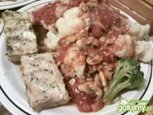 Kalafior,sos pomidorowo-pieczarkowy,ryba