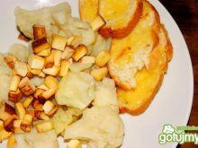 Kalafior z wędzonym tofu