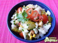Kalafior z żółtym serem i kukurydzą