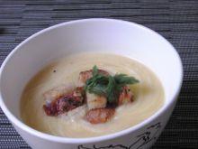 Kalafiorowa zupa krem z grzankami
