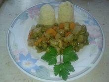 Kalarepa z groszkiem i marchewką