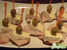 Kanapeczki - koreczki z camembertem