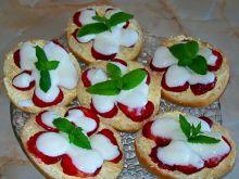 Kanapeczki z truskawkami