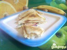 Kanapki z bananem i masłem orzechowym.