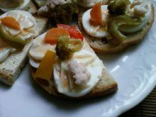 Kanapki z jajkiem i piklami jesiennymi P