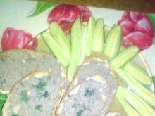 Kanapki z pastą jajeczną i pieczarkami