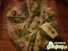 Kanapki z serem i oliwkami