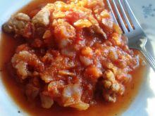Kapucha w pomidorach