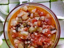 Kapusta pak choi z boczkiem w sosie pomidorowym