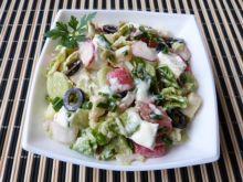 Kapusta pekińska z oliwkami i serem sałatkowym